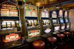 Стоит ли играть в игровые автоматы online