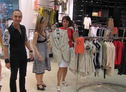О чем важно не забывать, планируя посетить магазин с нарядами и где в интернете можно отыскать информацию о марках?