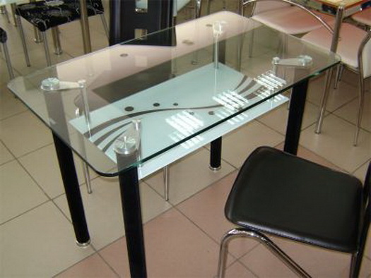 Стол для кухни из стекла